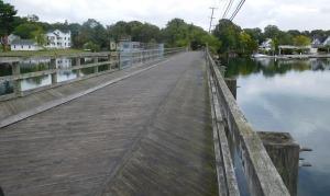 The bike bridge over the Barrington River.