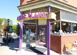 Coffee Planet: a great spot for coffee and dessert.