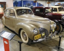 This 1940 Lincoln Zephyr Sedan exemplifies the Art Deco style streamlining that had become popular.