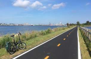 The East Bay Bike Path runs about 14 miles from Bristol to Providence, Rhode Island. The recently resurfaced path links the towns along the east side of Narragansett Bay and the Providence River. That's my folding Bike Friday beside the path.