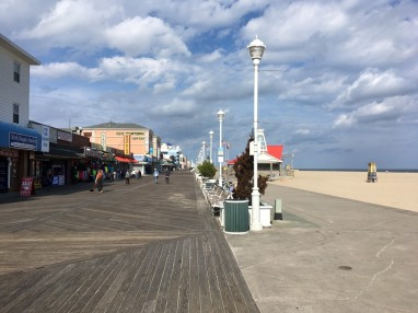 The boardwalk was practically empty, and many of the shops and eateries were closed for the season, but we were still able to enjoy pumpkin and cinnamon swirl ice cream cones at Kohr's Frozen Custard.