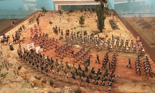 This amazingly detailed tabletop-size diorama depicts the surrender of the British army to General George Washington at Yorktown, Virginia, in 1781.