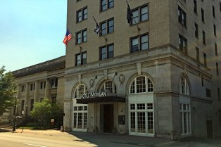 The elegant, eight-story Hotel Morgan dates from 1925.
